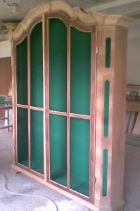 készülő szekrény